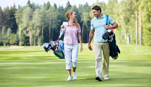 esterel-golf-couple