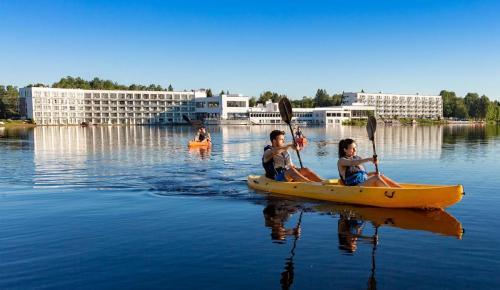 ete-2018-lac-kayak-couples-droit