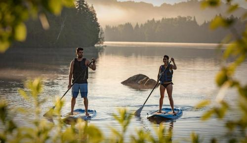 ete-2018-lac-paddle-couple